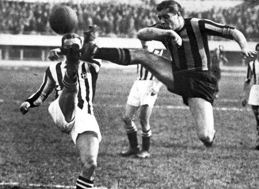 Giuseppe Meazza against Juventus
