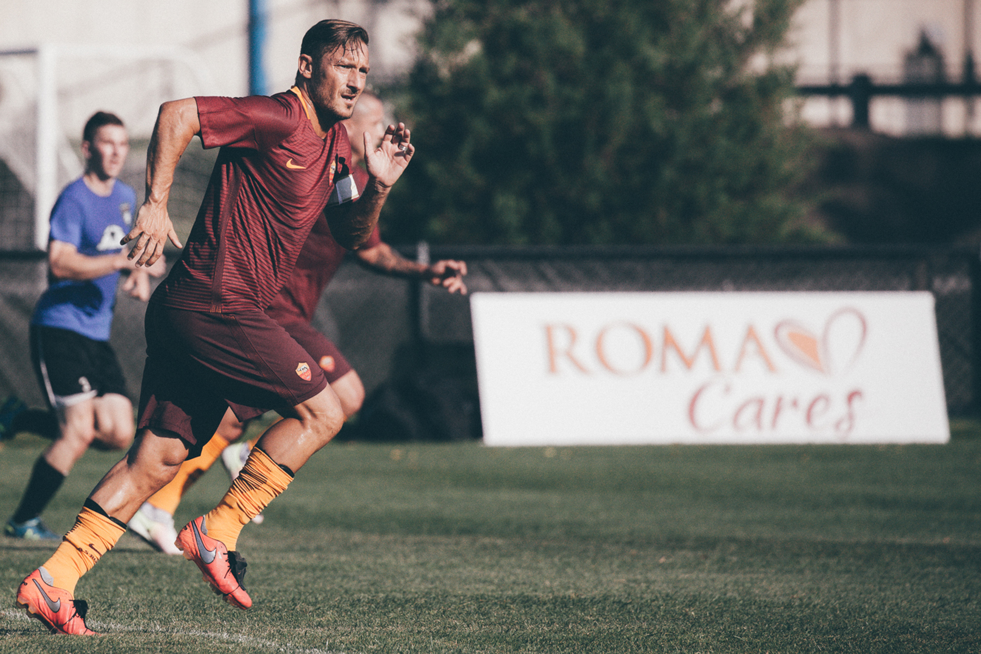 Totti records: he played 25 years with AS Roma