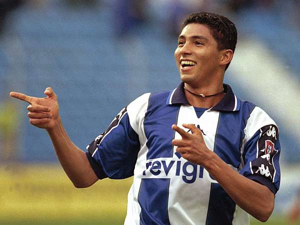 Jardel playing with Porto