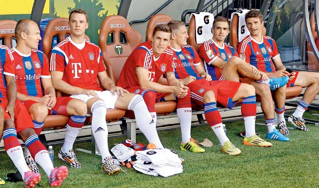 Bayern Munich Bundesliga Bench with Guardiola
